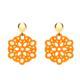 Federleichte,orange Ohrringe aus Horn mit glänzendem gold Stecker aus der Mauritius Kollektion