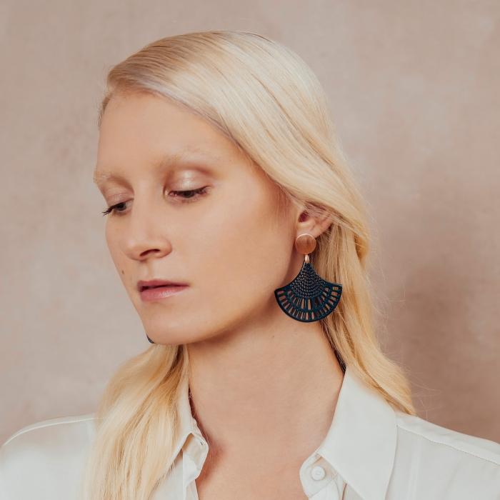 Ohrringe Blau mit Wechselsystem in Rose aus der St. Barth Kollektion von Romy North