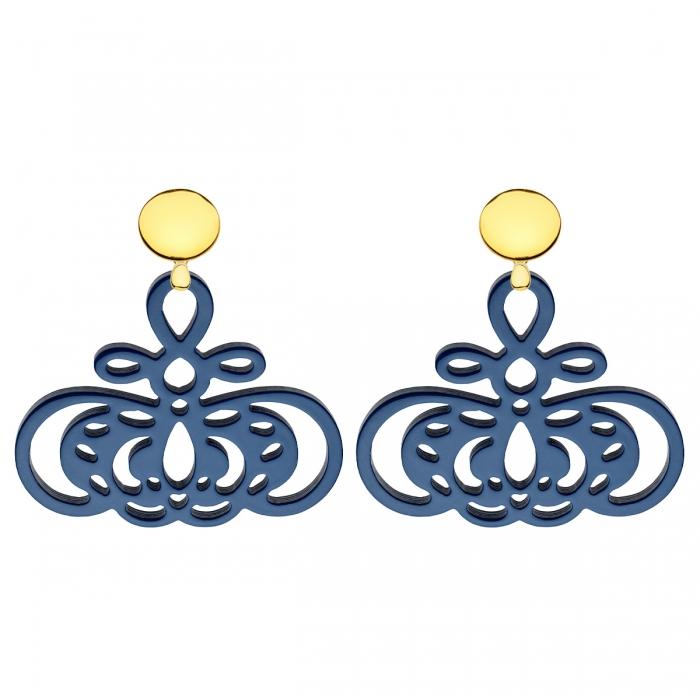 Blaue Ohrringe mit Ornamente aus Horn mit runde Goldstecker aus der Barbados Kollektion von Romy North
