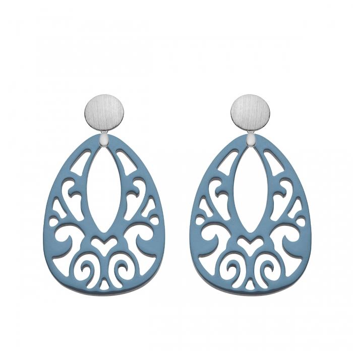 blaue Ohrringe aus Horn mit Ornamenten aus der Jamaika Kollektion von Romy North