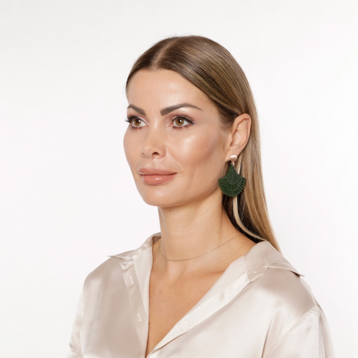 Grüne Ohrringe lang aus Horn von Romy North