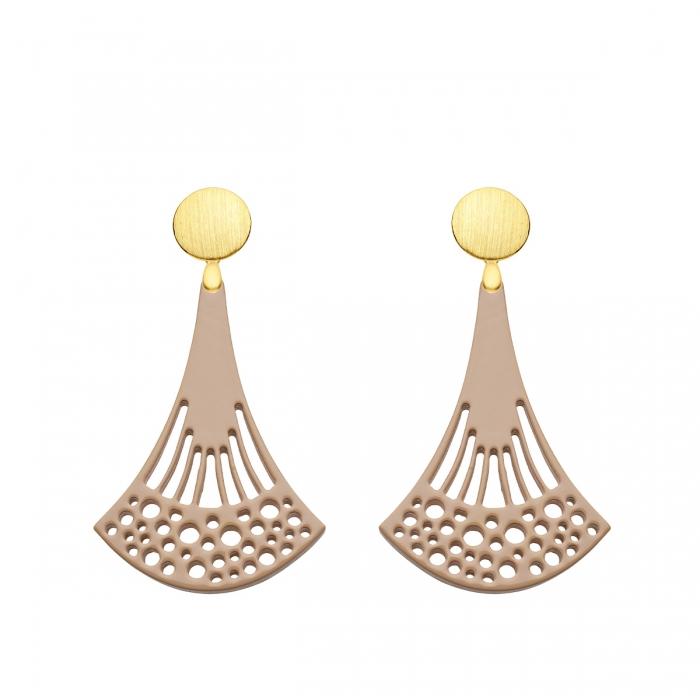 Ohrringe Horn in Beige in länglicher Form mit matten Goldstecker aus der Ponza Kollektion von Romy North