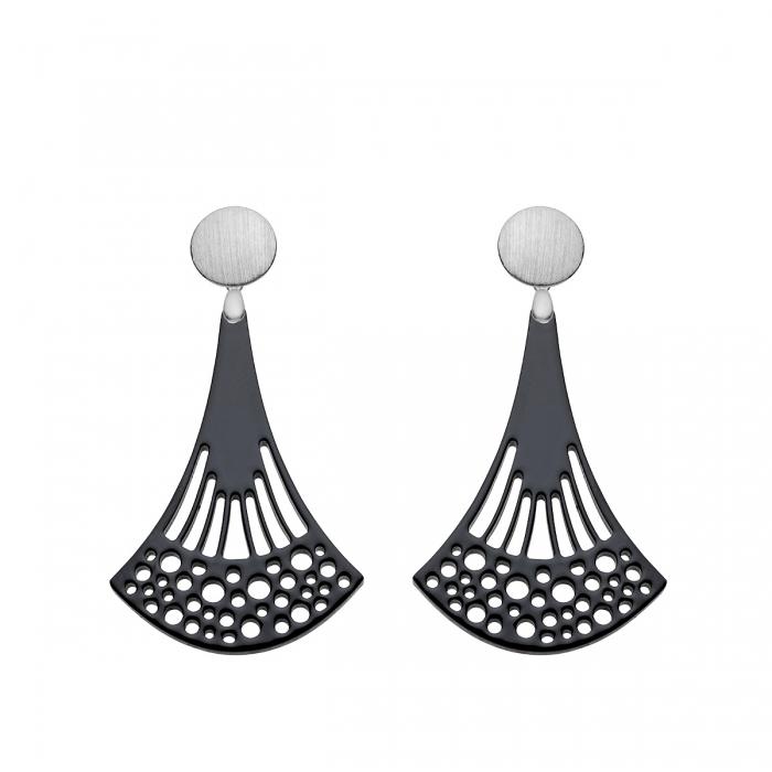 Ohrringe schwarz aus Horn in länglicher Form mit matten Stecker aus Silber aus der Ponza Kollektion von Romy North
