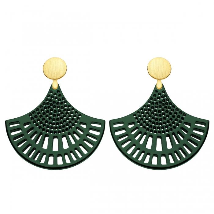 Ornament Ohrringe Grün aus Horn mit satinierte Goldstecker aus der St. Barth Kollektion von Romy North