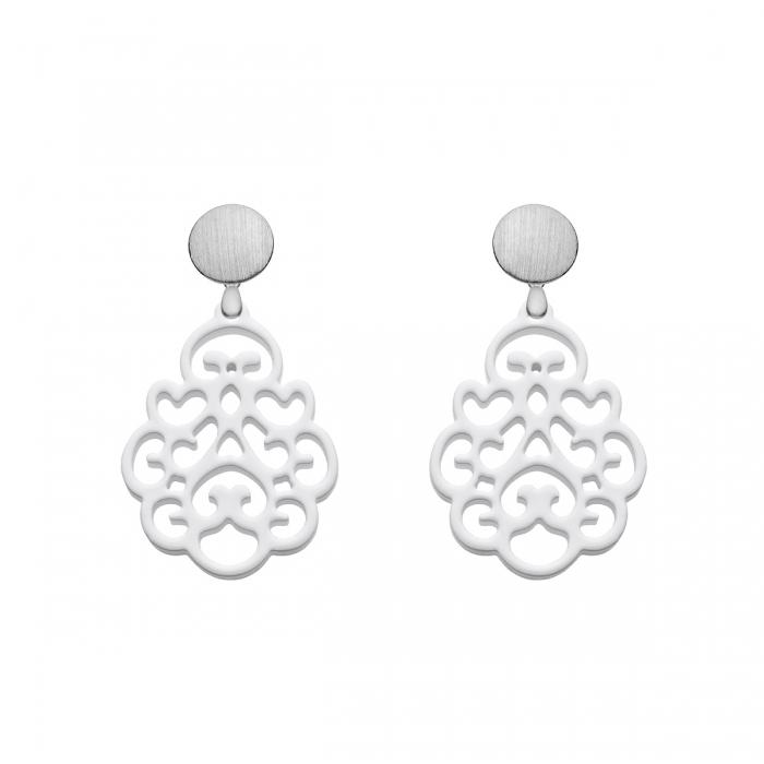 Ohrringe online kaufen Weiße Ohrringe aus Horn mit Ornamenten aus der Reunion small Kollektion von Romy North