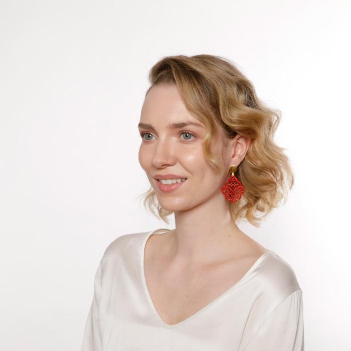 Rote Ohrringe mit Ornamenten aus der Kuba Kollektion von Romy North
