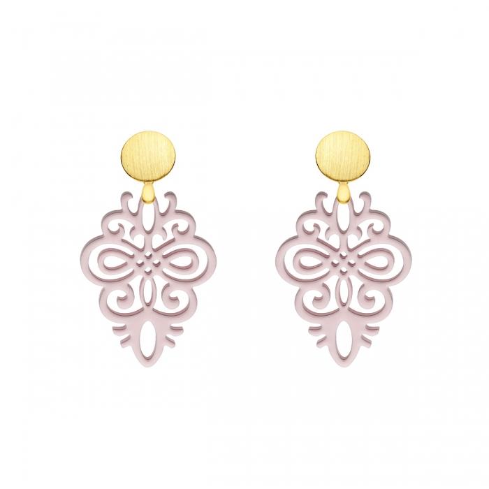 Ohrringe rosa aus Horn mit matte Goldstecker mit Ornamente aus der Saona Kollektion von Romy North