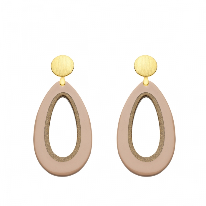 Traumhafte Ohrringe Tropfen in Beige aus Horn mit matten Goldstecker aus der Calala Kollektion von Romy North
