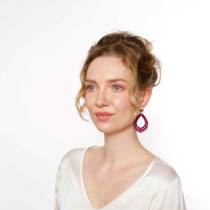 Ohrringe Tropfen in Pflaume mit Muster aus Horn von Romy North