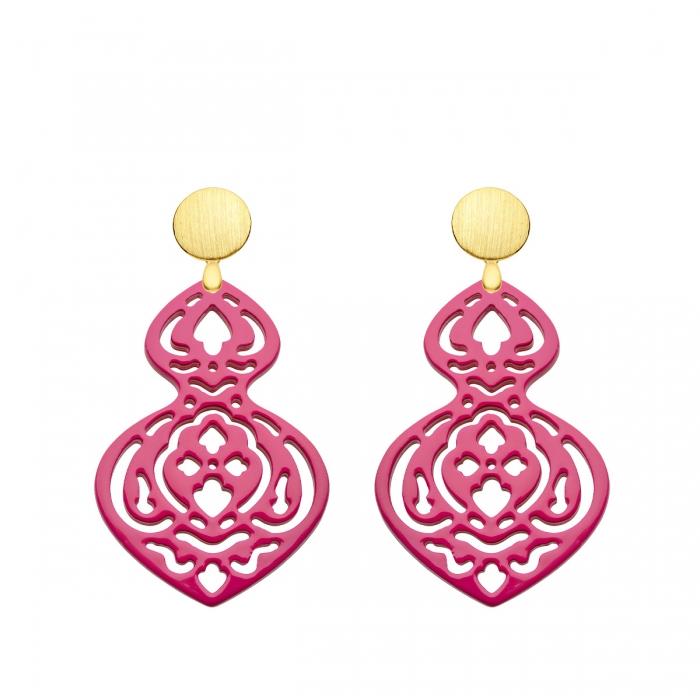Statement Ohrringe in Pink aus Horn mit matte Goldstecker aus der Madeira Kollektion von Romy North