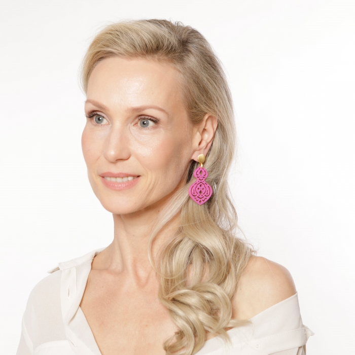 Lange Ohrringe in Pink aus Horn von Romy North