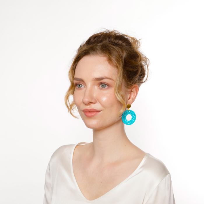 Ohrringe türkis rund mit Ornamenten von Romy North