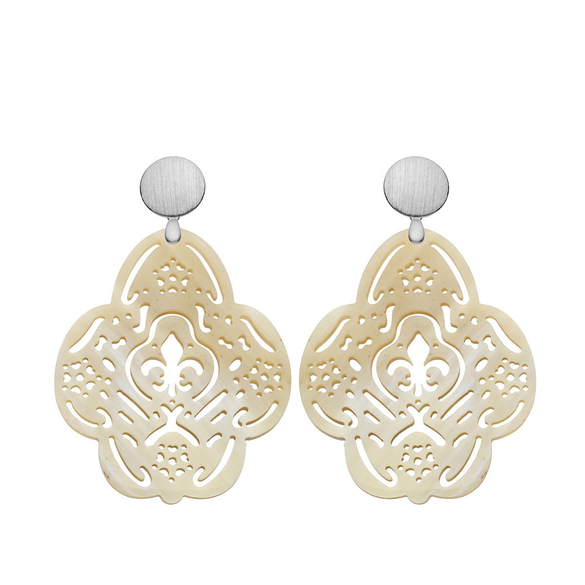 Ohrringe online kaufen Ohrschmuck aus Horn mit matte Silberstecker von Romy North
